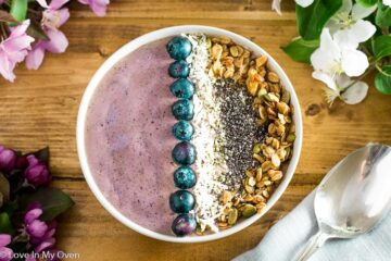 cherry coconut smoothie bowl