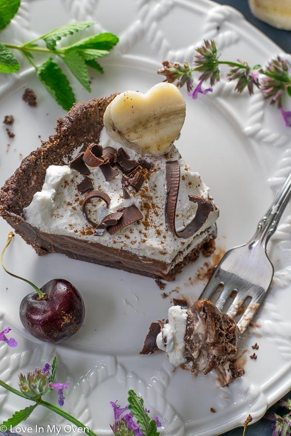 piece of nice cream pie