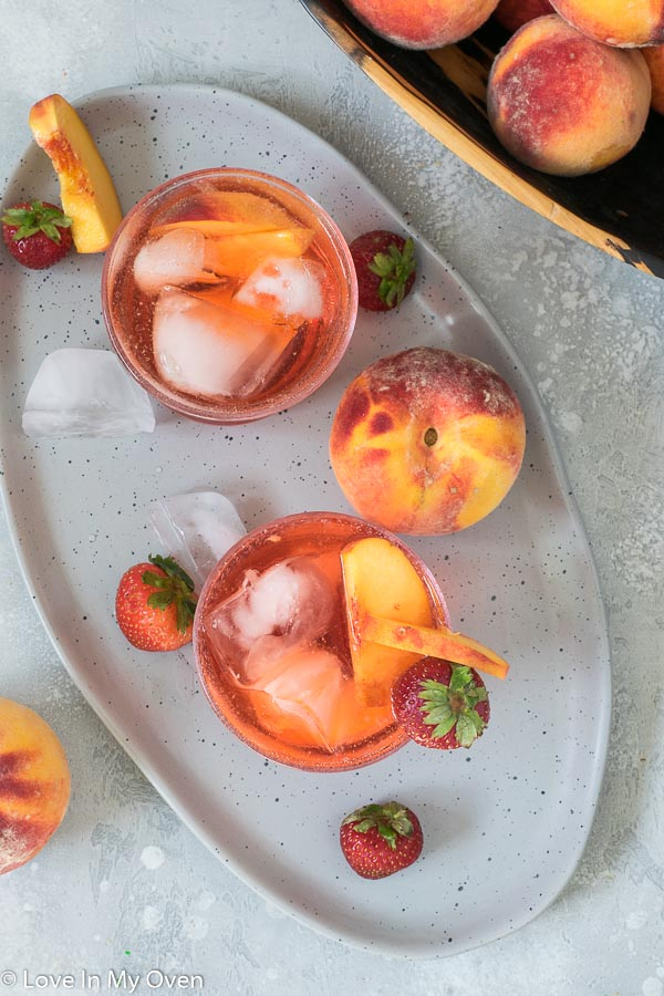 peach vodka cocktail