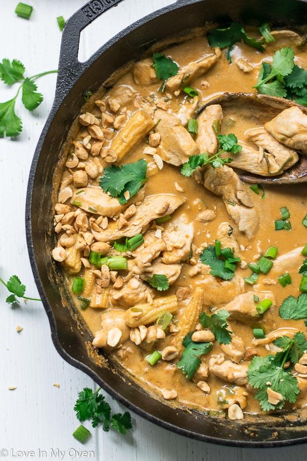 thai chicken peanut curry