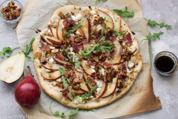 pear and goat cheese pizza